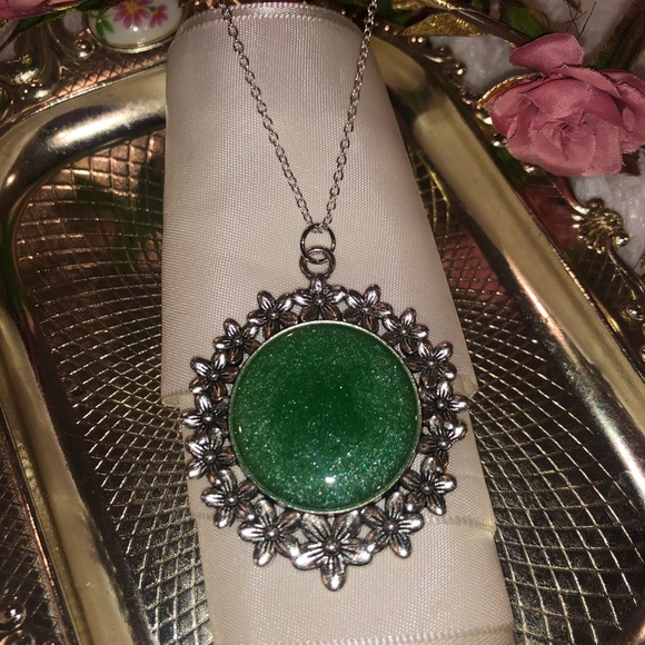 Evalina's Creations Jewelry - Emerald green handmade jewelry